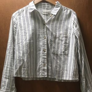 UO Cropped button up longsleeve w vertical stripes